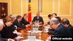 Igor Dodon la întîlnirea cu ambasadorii statelor UE acreditați la Chișinău