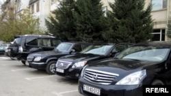 Азербайджанские министры любят комфорт и помпезность