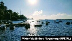 Севастополь: один день Аполлоновой бухты (фотогалерея)