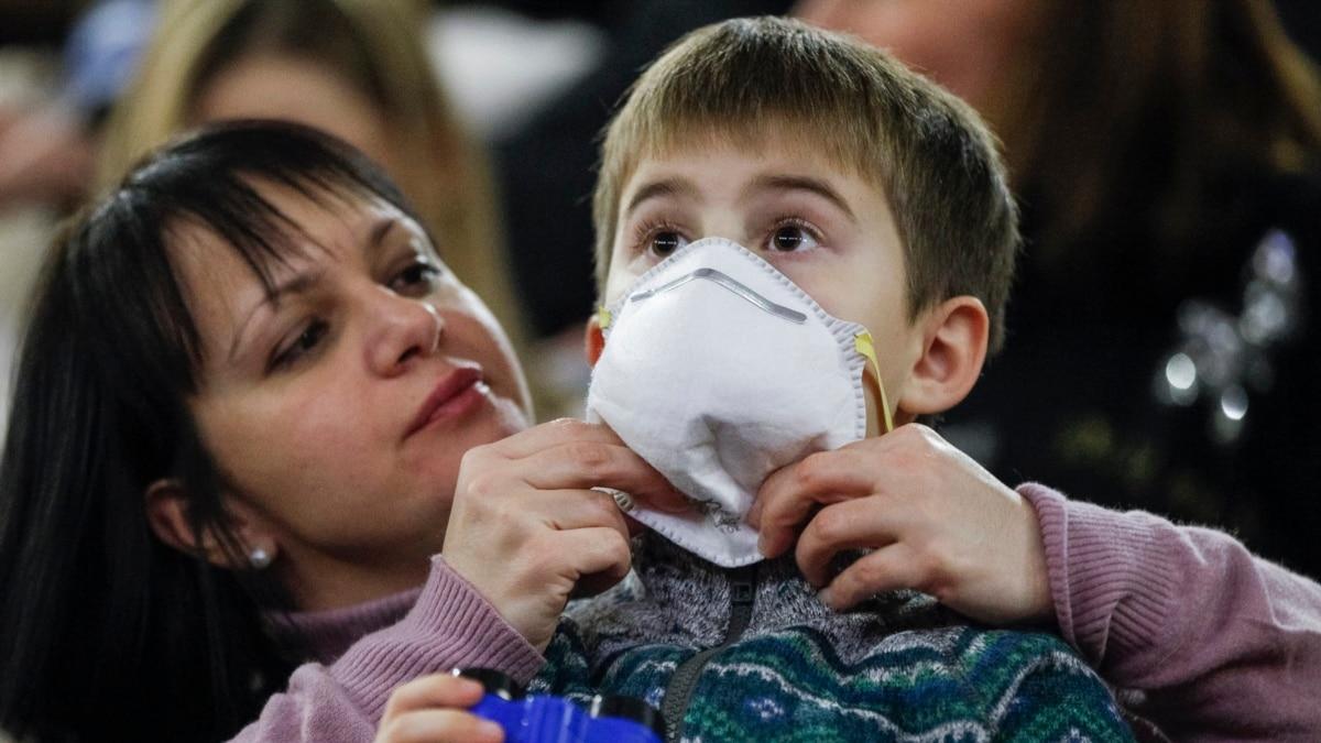 Горячая ванна, укусы комаров и чеснок – ВОЗ назвала мифы и факты о коронавирус
