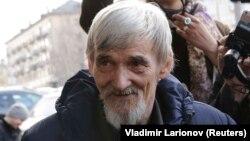 Юрія Дмитрієва знову затримали через порушену проти нього справу про «насильницькі дії сексуального характеру»