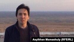 Әлемдік экономика және саясат институтының сыртқы саясат бойынша сарапшысы Жұмабек Сарабеков. Алматы, 8 қыркүйек 2015 жыл.