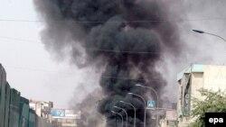 به گفته پلیس عراق، در حمله صبح یکشنبه تعداد زیادی خودرو، مغازه و خودرو به آتش کشیده شد.