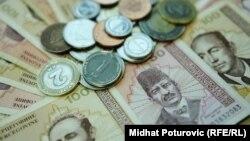 Korajlić: Višemilionski iznosi potrošeni na skupove (na fotografiji: konvertibilna marka)
