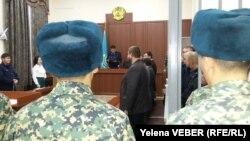 На вынесении приговора по делу о терроризме. Караганда, 9 декабря 2016 года.