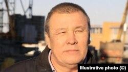 Экс-депутат Кайдар Кощанов на строительной площадке. Уральск, 2015 год.