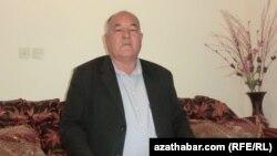 Türbet-jam şäherinde ýaşaýan salyr türkmenleriniň meşhur bagşysy Gulam Salyr