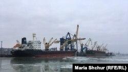 Маріупольський порт у день візиту чеського міністра закордонних справ