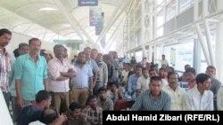 مواطنون هنود في مطار اربيل بانتظار العودة الى بلادهم
