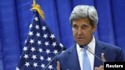 Iraq -- US Secretary of State John Kerry holds a news conference at the US embassy in Baghdad, April 8, 2016