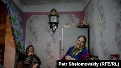 PHOTOGALLERY: Baku, For Richer Or Poorer
