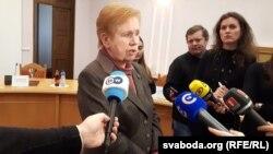 Старшыня ЦВК Лідзія Ярмошына з журналістамі
