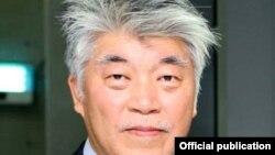 Цой Чже Ук Корея тиббиёт ассоциацияси илмий-текшириш қўмитаси раиси. Сурат Соғлиқни сақлаш вазирлиги сайтидан олинди.