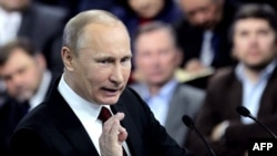 Кандидат на президента Росії Володимир Путін на зустрічі з прихильниками, 29 лютого 2012 року