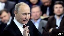 Владимир Путин на встрече со своими сторонниками