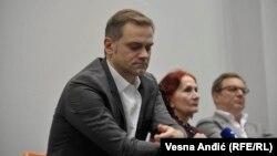Borko Stefanović na skupu sa Vidom Ognjenović i Tihomirom Stanićem