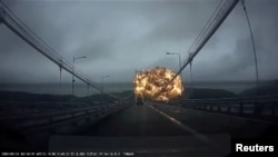 Момент вибуху на танкері в південнокорейському порту Ульсан, 28 вересня 2019 року