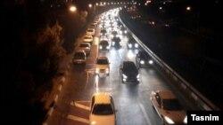 ترافیک شدید در بزرگراههای تهران برای خروج از پایتخت پس از زمینلرزه چهارشنبه شب
