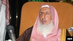 د سعودي عرب لوی مفتي عبدالعزیز بن عبدالله ال الشیخ