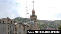 Тратить 500 тысяч лари на реконструкцию системы внешнего освещения тбилисской телевышки нерационально – такой вердикт вынесли члены городского сакребуло, когда отказали мэрии в утверждении бюджета на 2014 год