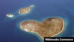 Srcoliki hrvatski otok Galešnjak, ilustrativna fotografija