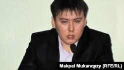 """Жанболат Мамай, """"Рух пен Тіл"""" ұйымының жетекшісі, баспагер. Алматы, 9 наурыз 2011 жыл"""
