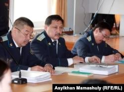 Прокуроры по делу о событиях в Шетпе. Актау, 17 апреля 2012 года.