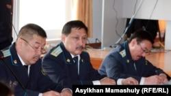 Прокуроры на суде по событиям в Шетпе. Актау, 17 апреля 2012 года.