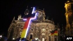 """Демонстрация сторонников движения """"ПЕГИДА"""" в Германии"""