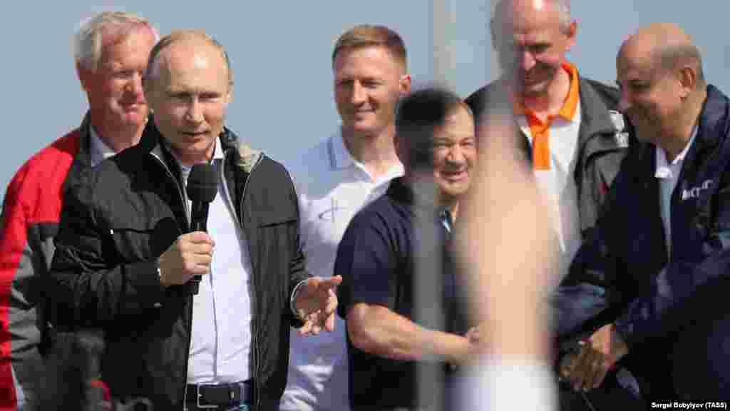 Українська сторона вийшла з договору з Росією про будівництво мосту в 2014 році – після анексії Криму