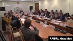 На круглому столі були присутні народні депутати, представники НАБУ, АМКУ та Нацкомісії з питань регулювання енергетики
