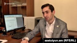 Руководитель фракции «Луйс» Совета старейшин Еревана Давид Хажакян, Ереван, 24 июля 2019 г.