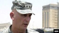 الجنرال ريموند أودييرنو أرفع قائد عسكري أميركي في العراق