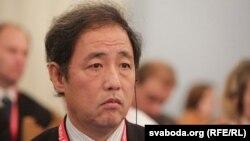Джим Ён Ким.