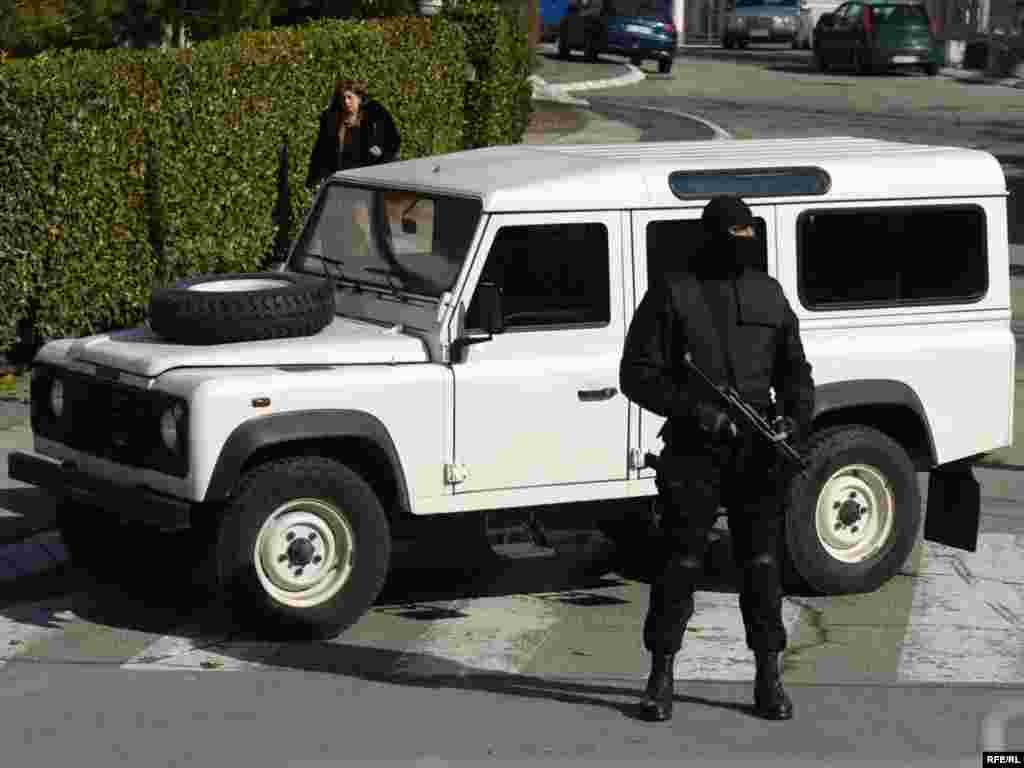 Policija je u Beogradu još jednom pretresla kuću haškog optuženika Ratka Mladića, ali najtraženiji bjegunac ni ovoga puta nije pronađen, 23.02.2010. Foto: Vesna Anđić