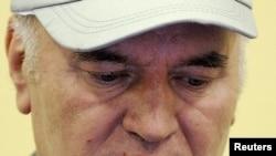 Ratko Mladić u haškoj sudnici, juni 2011.