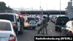 У результаті спецоперації силовиків, озброєного чоловіка затримали, ніхто не постраждав