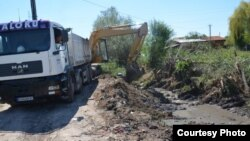 Чистење на одводни канали во Куманово, август 2016.