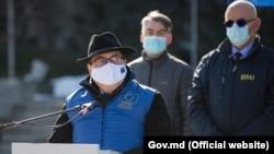 Ambasadorul Peter Michalko, la ceremonia de primire a unui ajutor umanitar oferit de România pentru lupta cu pandemia, Chișinău, februarie 2021