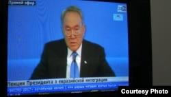 "Телеканал ""24KZ"" транслирует лекцию президента Казахстана Нурсултана Назарбаева в МГУ 28 апреля 2014 года."