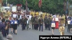 Участники крестного хода. Петропавловск, 12 июля 2018 года.