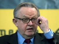Ahtisaari presented his proposal in Belgrade and Pristina today (epa)