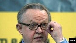Martti Ahtisaarinin özü təklifini «kompromisli» adlandırır