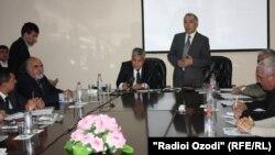Лаҳзае аз маҳфили навбатии Бунёди «Муколамаи тамаддунҳо» дар шаҳри Душанбе