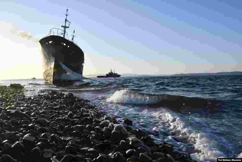 Паўночнакарэйскі рыбалоўны вадаплаў сеў на мель каля Ўладзівастоку, Расея