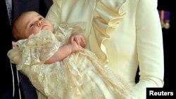 Princi George gjatë pagëzimit. Tetor, 2013.