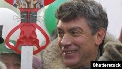 Оппозициялық саясаткер Борис Немцов наразылық акциясында. Мәскеу, 4 ақпан 2012 жыл.