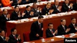 Кытайдын президенти Си Цзиньпин баштаган лидерлери парламент сессиясынын жабылышында. Бээжин, 20-март, 2018-жыл.