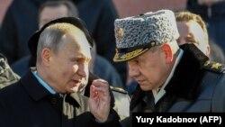 Президент Росії Володимир Путін і міністр оборони Росії Сергій Шойгу