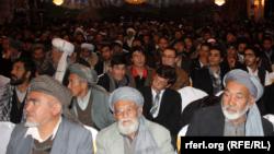 Президент кампаниясының басталуы шарасына жиналған ауған азаматтары. Кабул, 2 ақпан 2014 жыл..